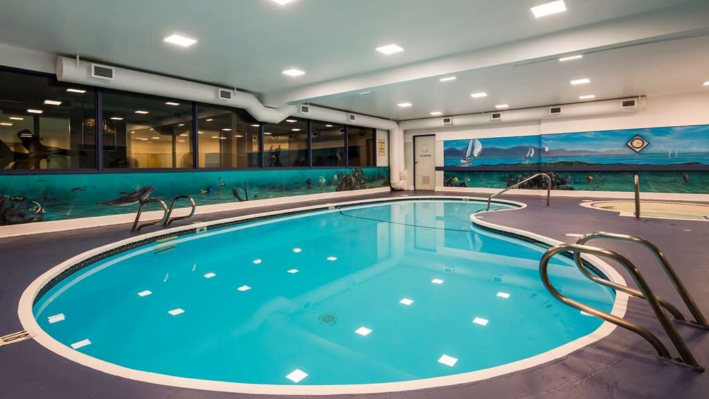 Best Western The Westerly Hotel - Splash around and have fun with the family in our indoor pool for endless hours of fun