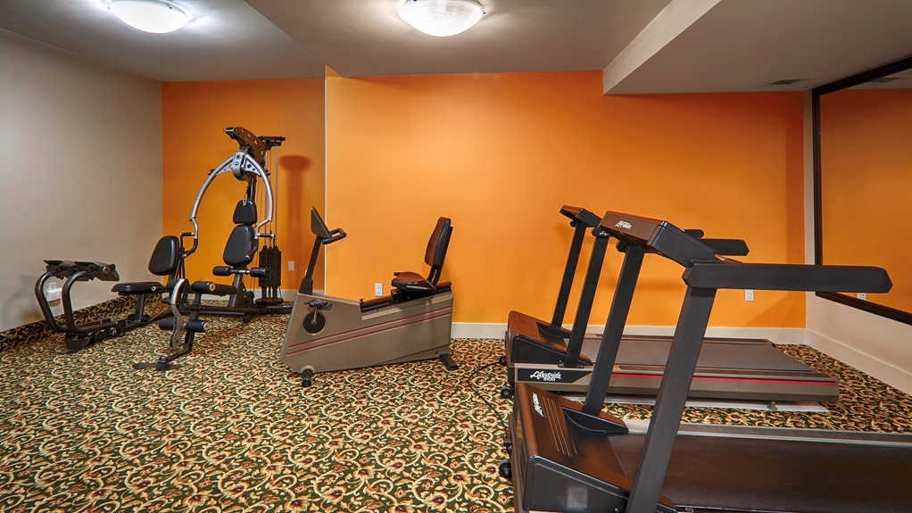 Best Western Peace Arch Inn - Our fitness center allows you to keep up with your home routine… even when you're not at home.