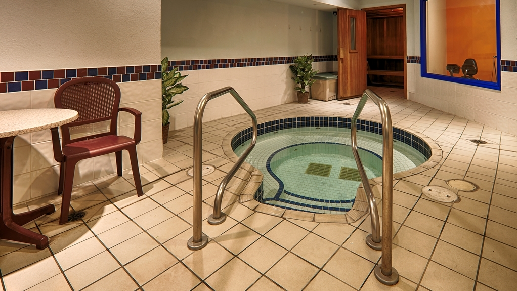 Best Western Peace Arch Inn - whilrpool