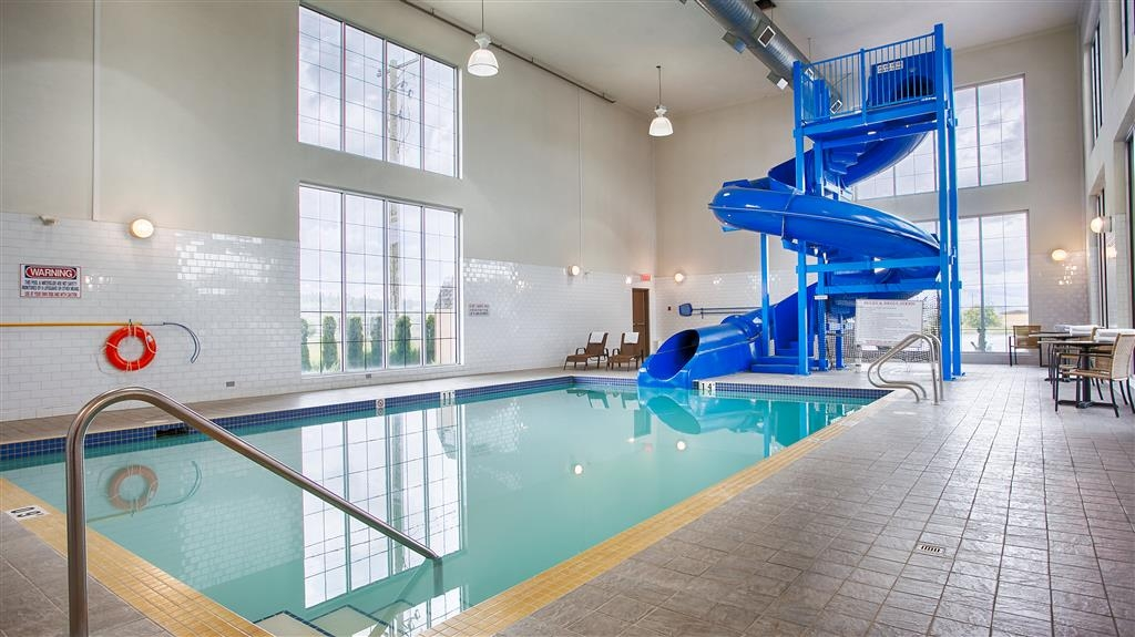 Best Western Cranbrook Hotel - Pool and Waterslide Area