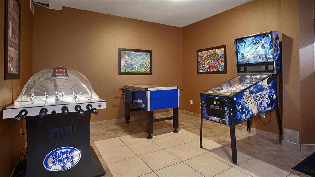 Best Western Cranbrook Hotel - Arcade Games Room includes one Bubble hockey game, Foosball Table & Pinball Machine