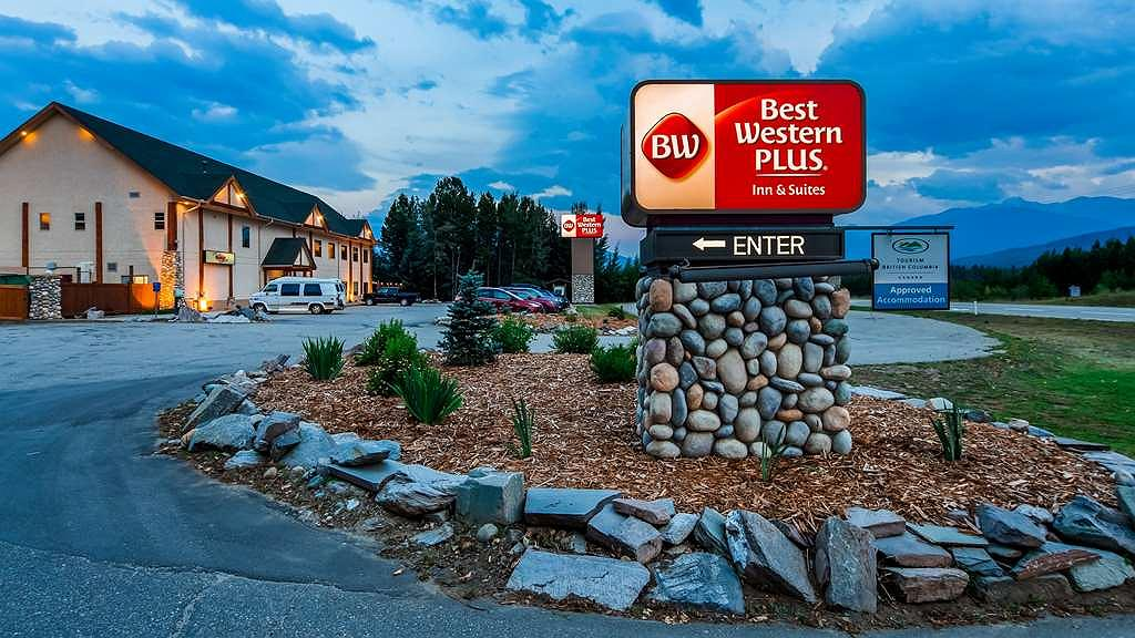 Best Western Plus Valemount Inn & Suites - Aussenansicht