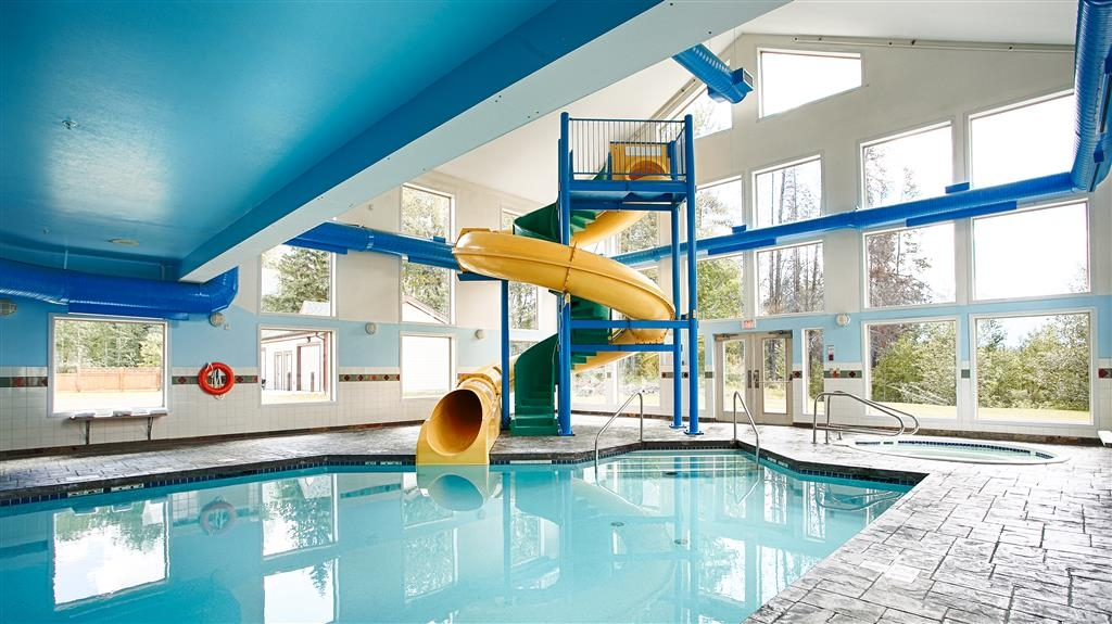Best Western Plus Valemount Inn & Suites - Indoor Swimming Pool and Slide