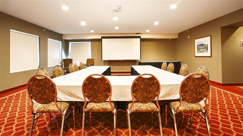 Best Western Plus Valemount Inn & Suites - Meeting Room