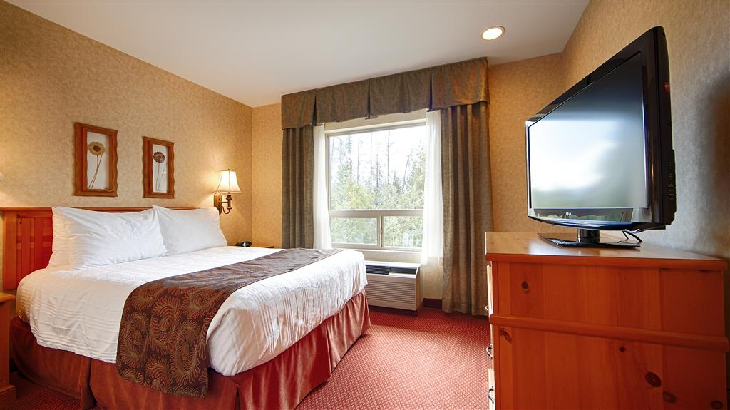 Best Western Plus Valemount Inn & Suites - King Bed Guest Room