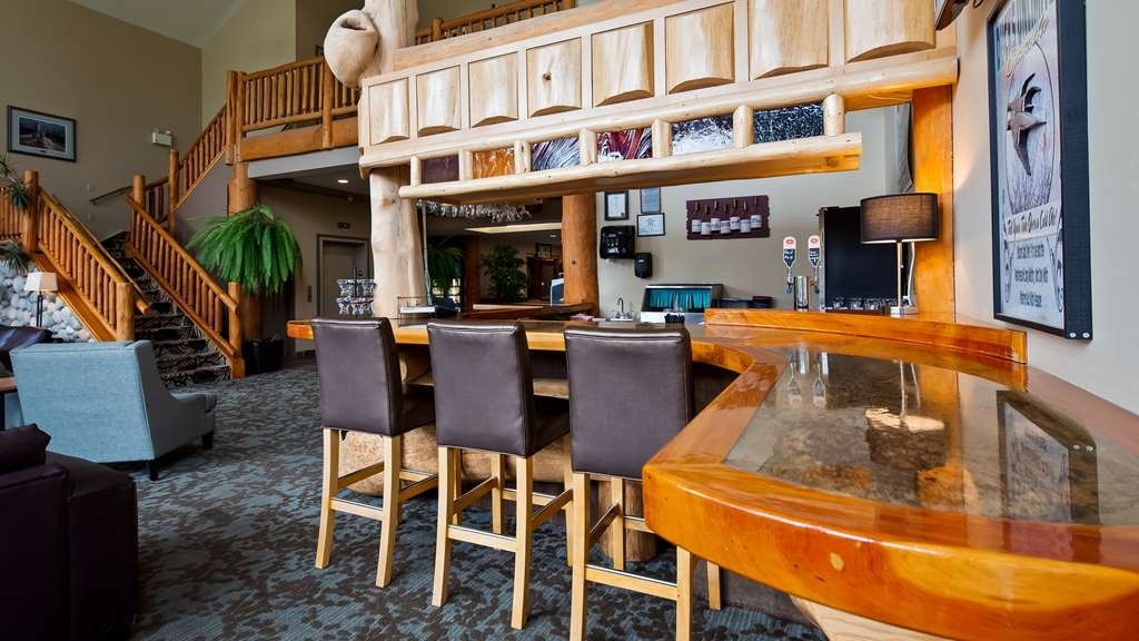 Best Western Plus Valemount Inn & Suites - Hotel Bar
