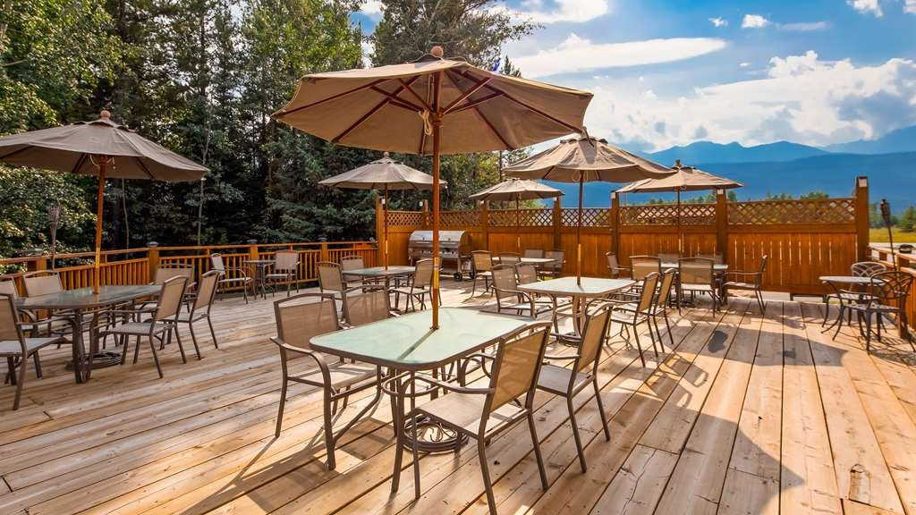 Best Western Plus Valemount Inn & Suites - Hotel Patio