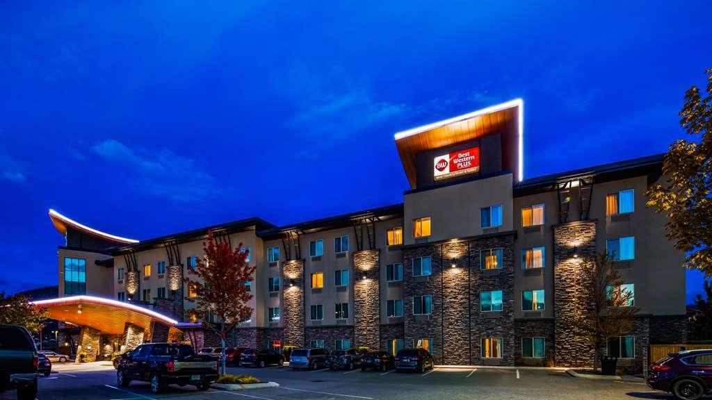 Best Western Plus Wine Country Hotel & Suites - Außenansicht