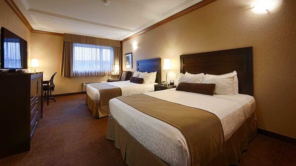 Best Western Plus Kamloops Hotel - Standard Two Queen Beds (no sofa)