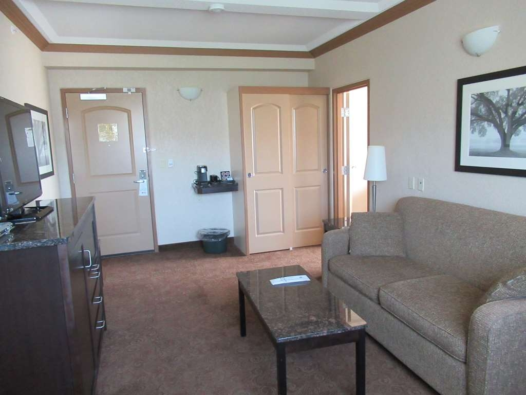 Best Western Plus Kamloops Hotel - Suite