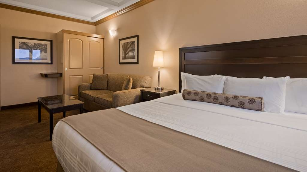 Best Western Plus Kamloops Hotel - Guest Room - King with Sofabed