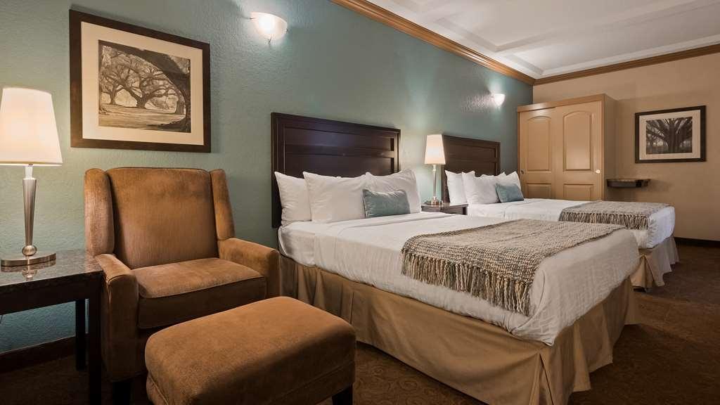 Best Western Plus Kamloops Hotel - Standard Guest Room (no sofa)