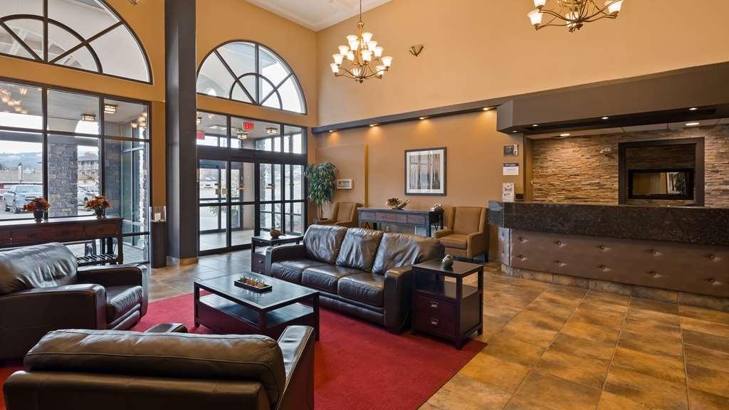 Best Western Plus Kamloops Hotel - Hotel Lobby