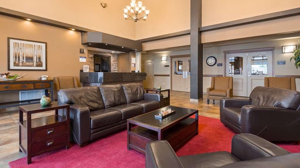 Best Western Plus Kamloops Hotel - Hotel Lobby and Desk