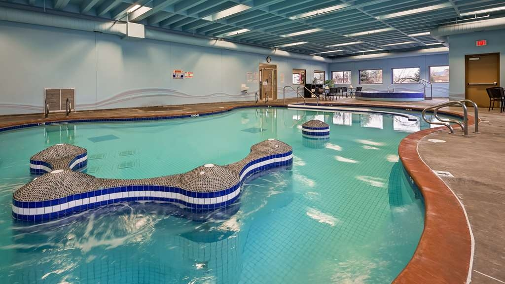 Best Western Plus Kamloops Hotel - Poolansicht