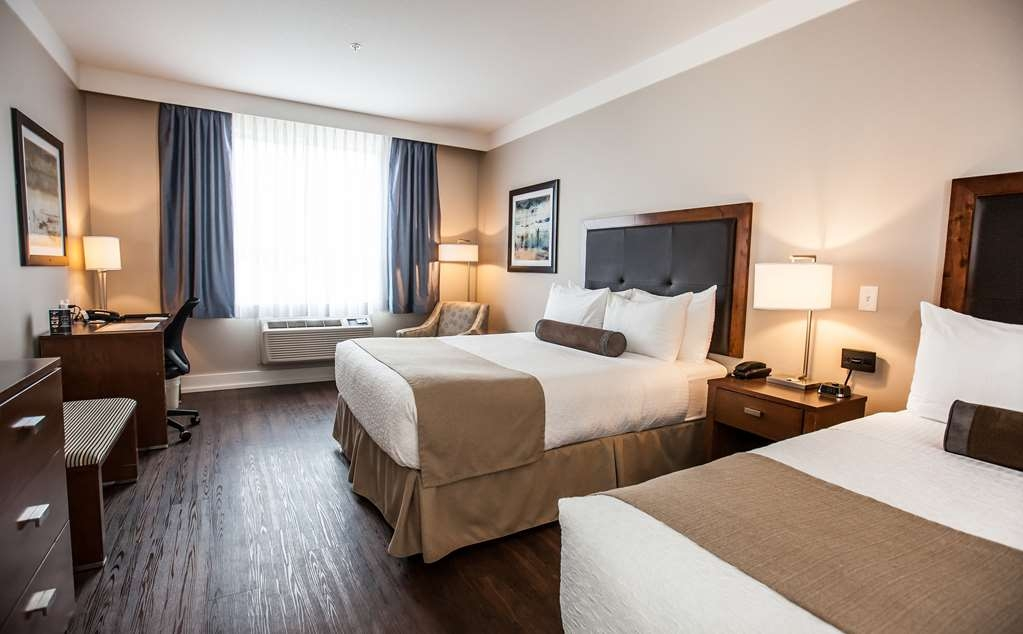 Best Western Plus Revelstoke - Pet Friendly Room