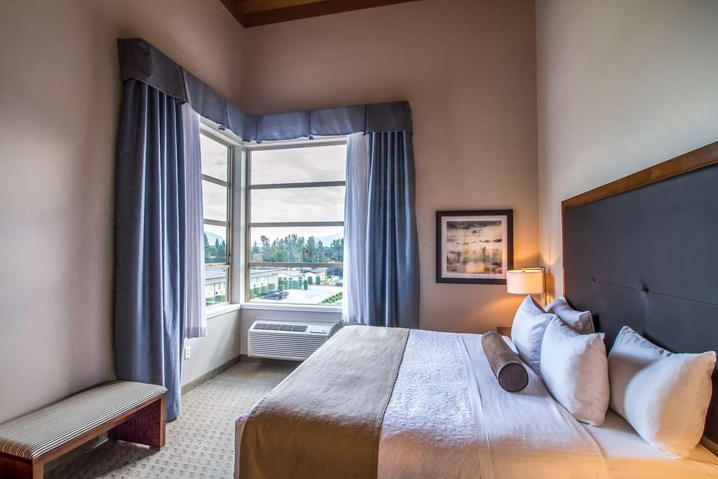 Best Western Plus Revelstoke - Executive King Room