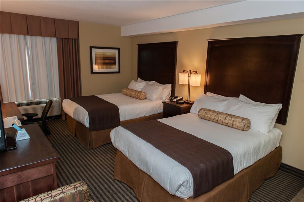 Best Western Maple Ridge Hotel - Two Queen Guest Room