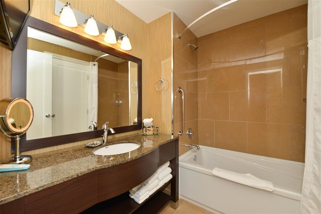 Prestige Oceanfront Resort, BW Premier Collection - Salle de bain