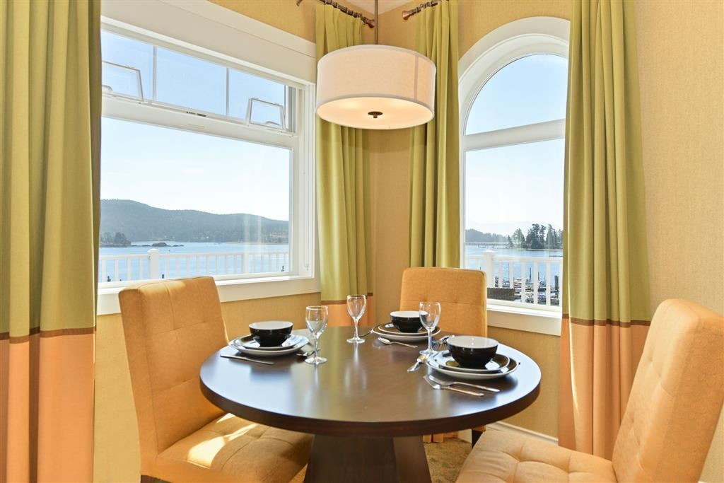 Prestige Oceanfront Resort, BW Premier Collection - Tropical Hospitality Suite