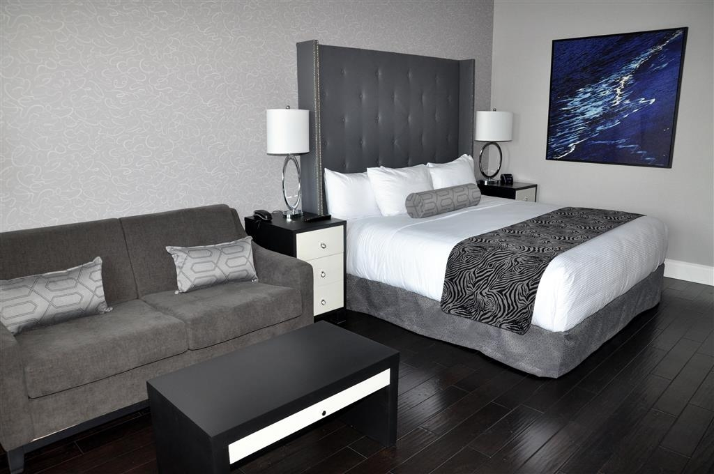 Prestige Oceanfront Resort, BW Premier Collection - Opulent Deluxe King Guest Room With Sofa Bed