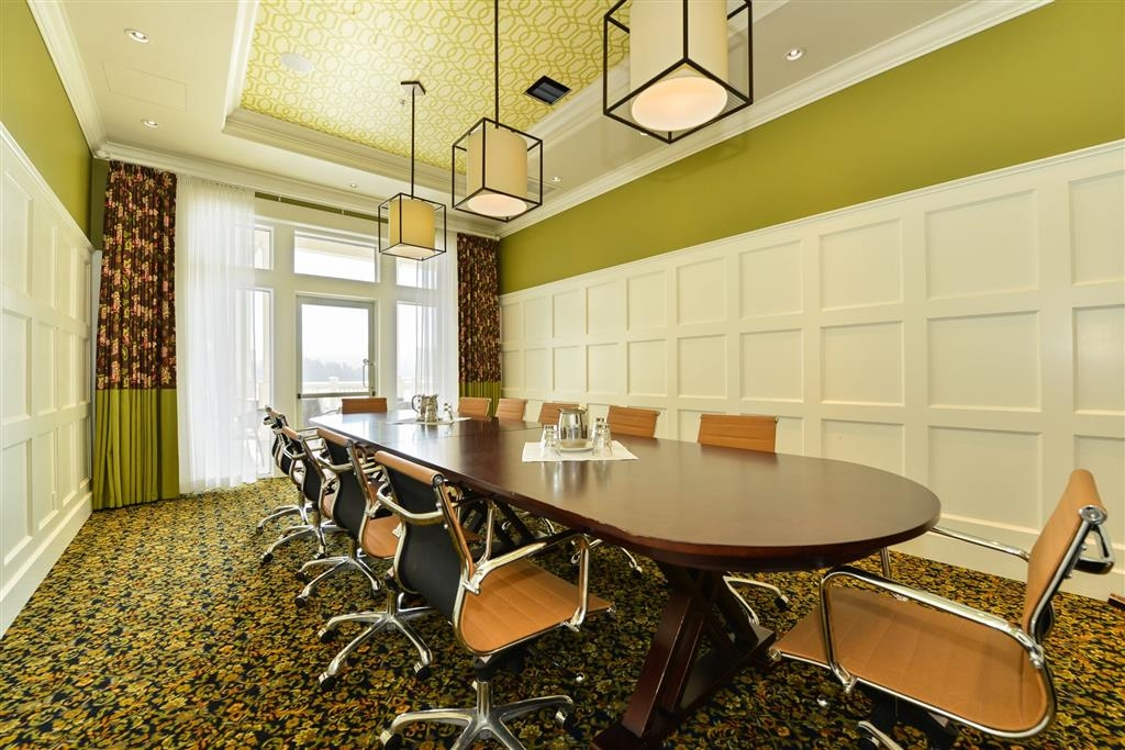 Prestige Oceanfront Resort, BW Premier Collection - Meeting Space Lobby Level Boardroom