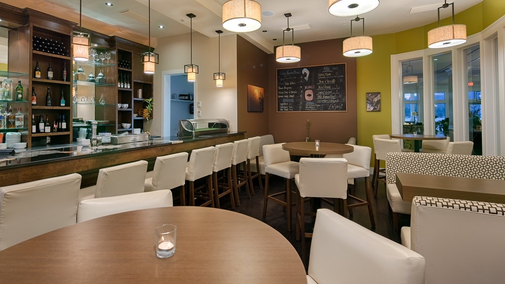 Prestige Oceanfront Resort, BW Premier Collection - Restaurant / Etablissement gastronomique