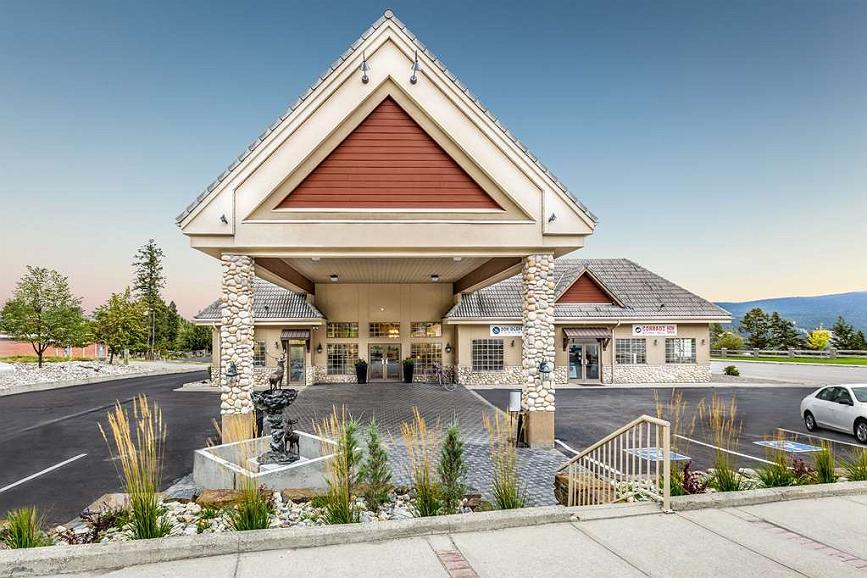 Prestige Radium Hot Springs Resort, BW Premier Collection - Aussenansicht