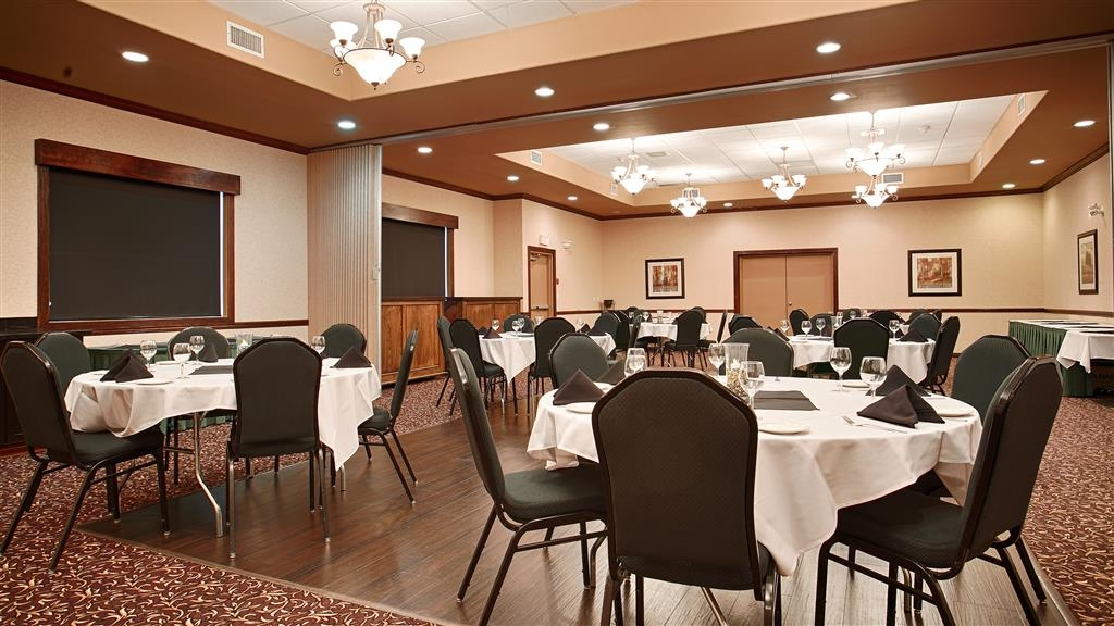 Best Western Plus Prestige Inn Radium Hot Springs - Ballroom