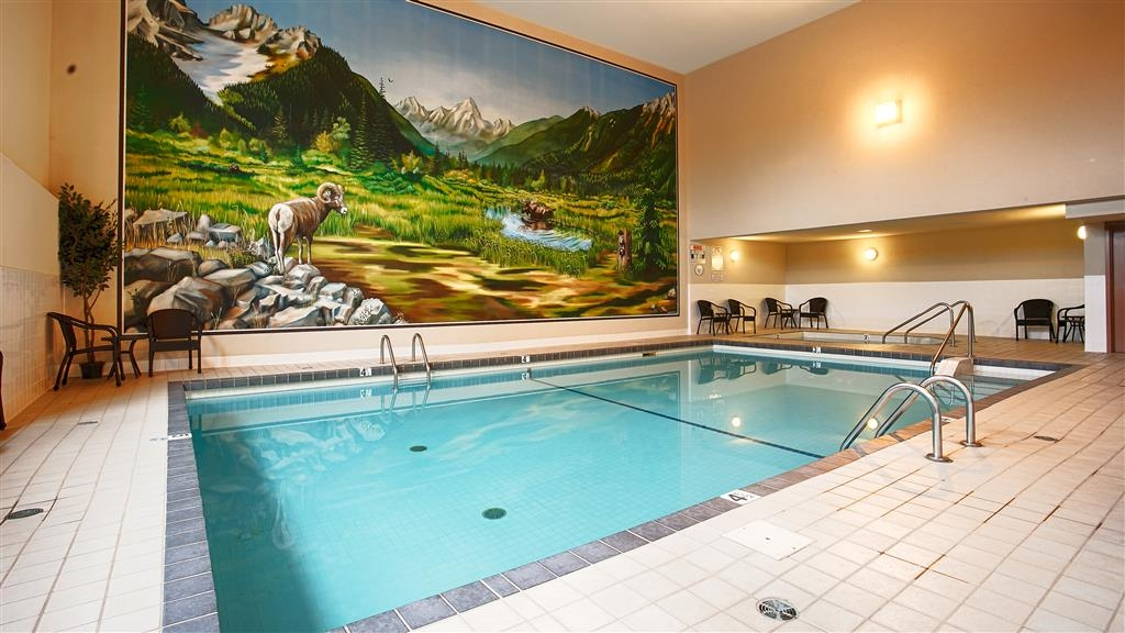 Best Western Plus Prestige Inn Radium Hot Springs - psicine couverte