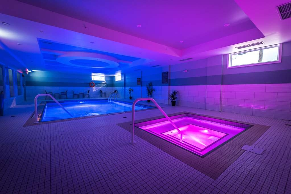 Best Western Plus Chateau Fort St. John - piscina coperta