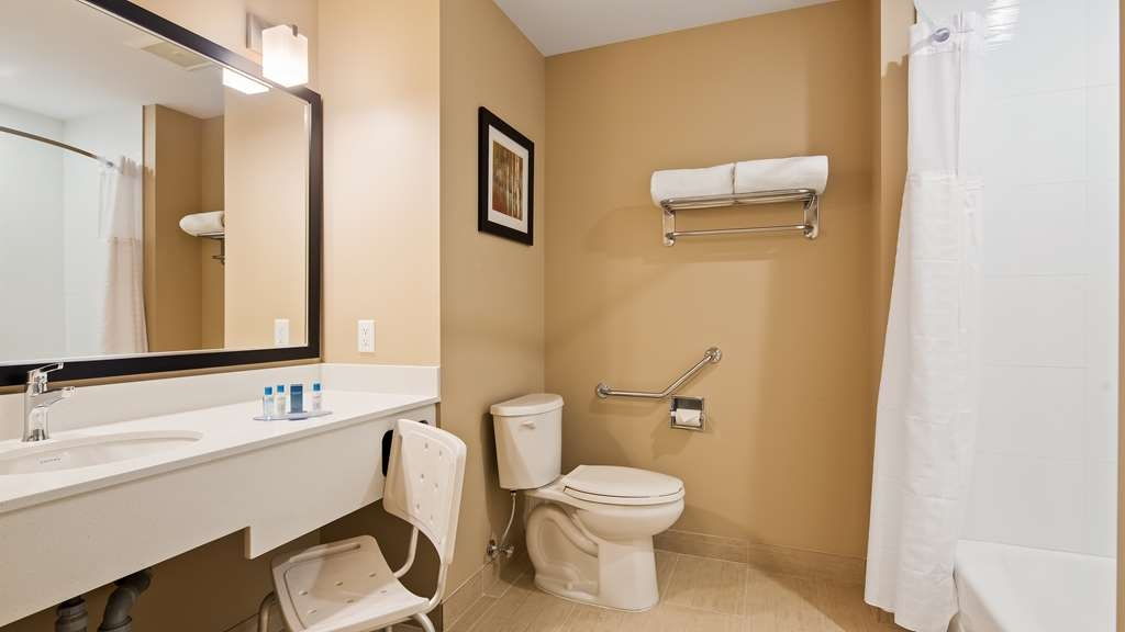Best Western Plus Merritt Hotel - We've designed our mobility accessible rooms for easy access.