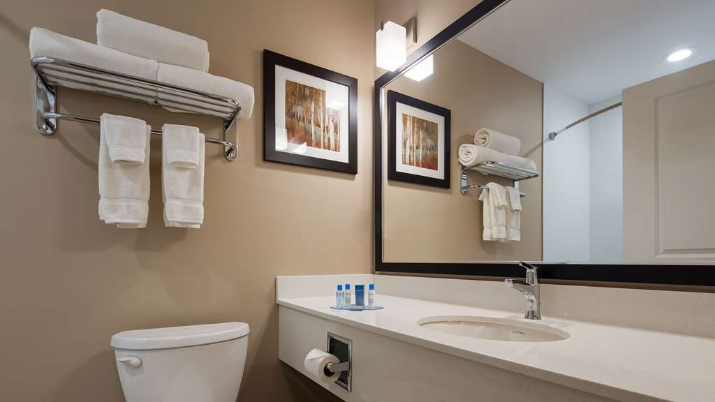 Best Western Plus Merritt Hotel - All bathrooms have a large vanity with plenty of room to unpack the necessities.
