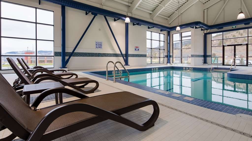 Best Western Plus Merritt Hotel - Poolansicht