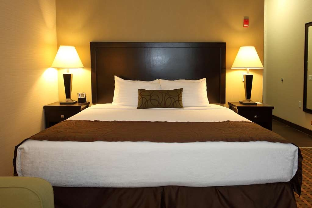Best Western Pacific Inn - Sink into our comfortable beds each night and wake up feeling completely refreshed.