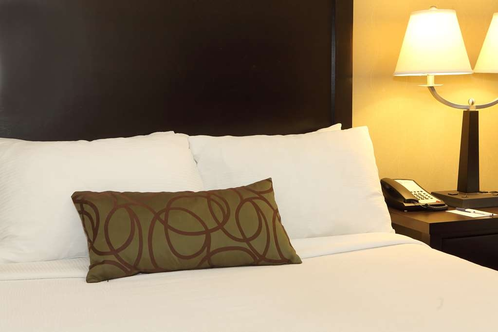 Best Western Pacific Inn - Nothing beats getting a good night's rest on our luxurious mattress in all of our guest rooms.