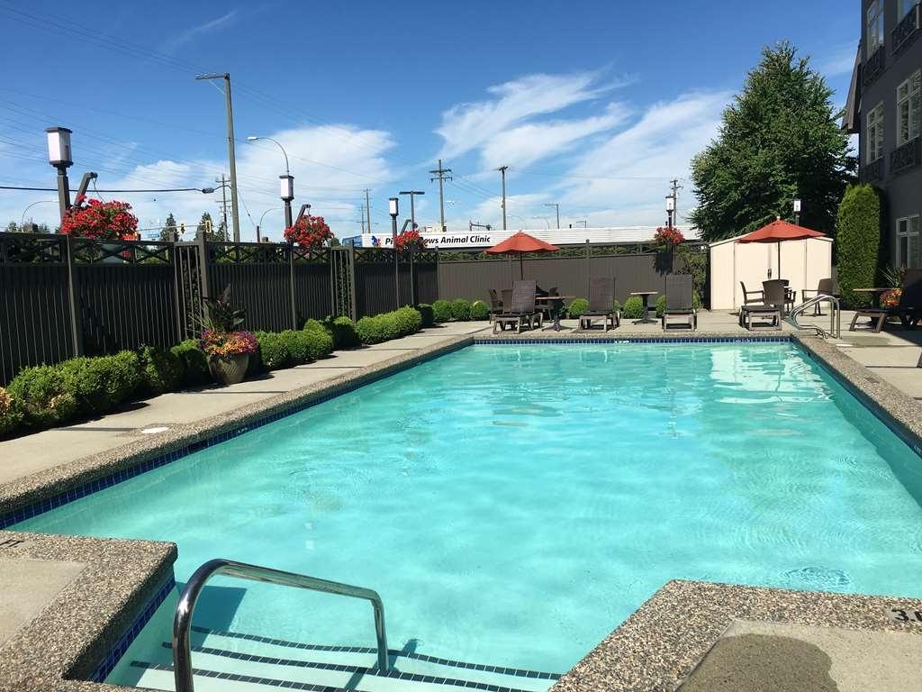Best Western Plus Pitt Meadows Inn & Suites - Vue de la piscine
