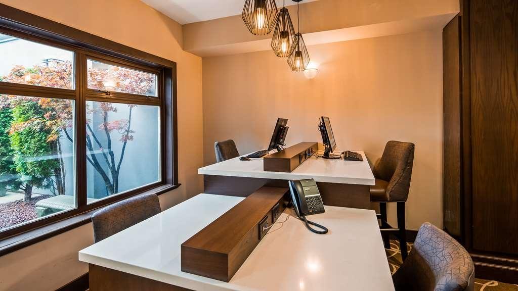 Best Western Plus Pitt Meadows Inn & Suites - Business Centre
