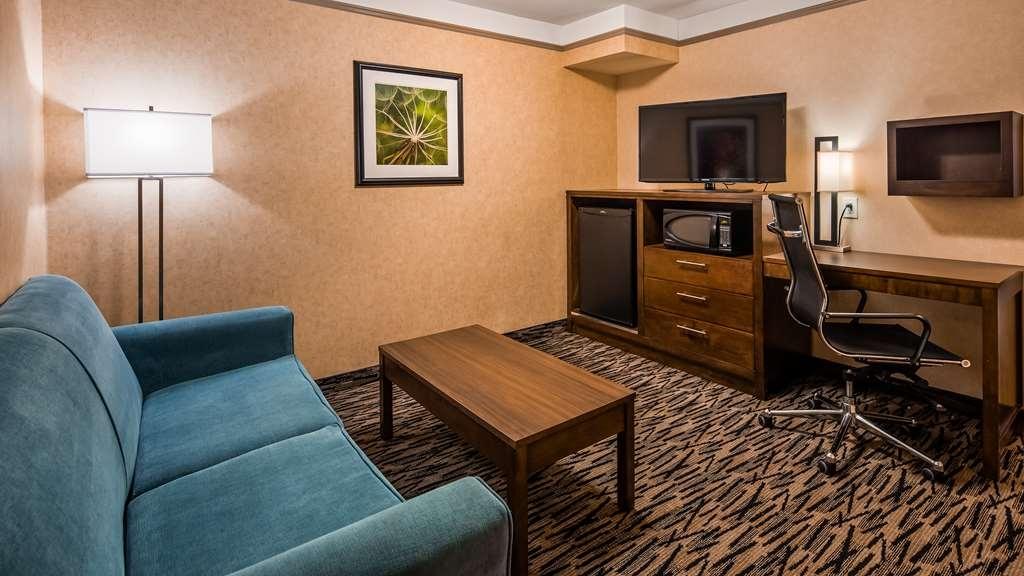 Best Western Plus Pitt Meadows Inn & Suites - Junior Suite Guest Room