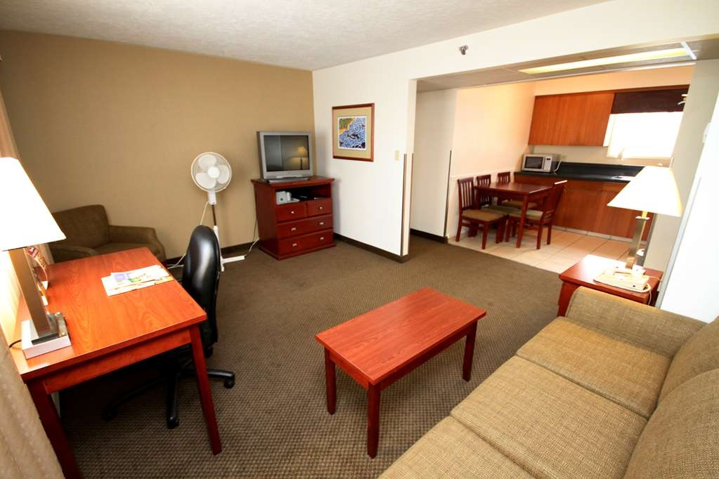 Best Western Gold Rush Inn - Enjoy the conveniences of home in one of our One- or Two- Bedroom Suites.