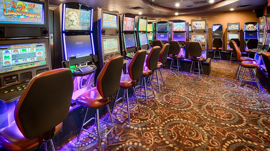 Best Western Plus Downtown Winnipeg - Visit our on-site gaming room from 9 AM - 2 AM daily!