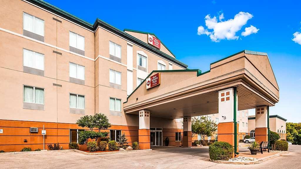 Best Western Plus Pembina Inn & Suites - Aussenansicht