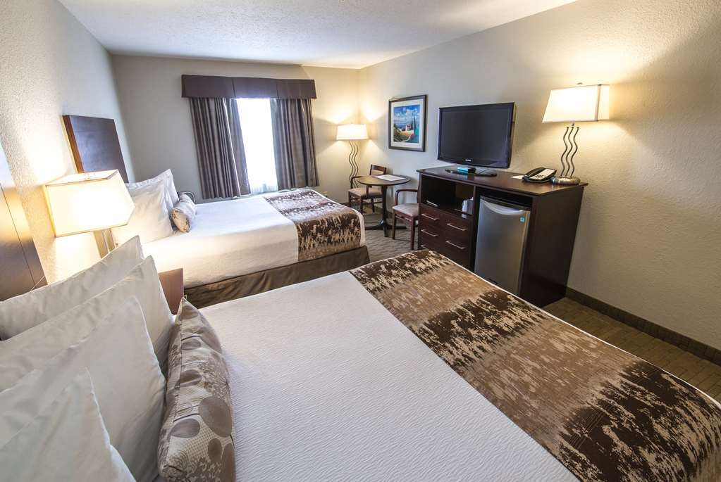 Best Western Plus Pembina Inn & Suites - At the end of a long day relax in our clean fresh guest rooms.