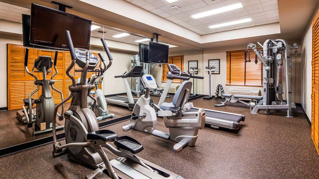 Best Western Plus Pembina Inn & Suites - Maintain your fitness routine during your stay with us in our fitness center.