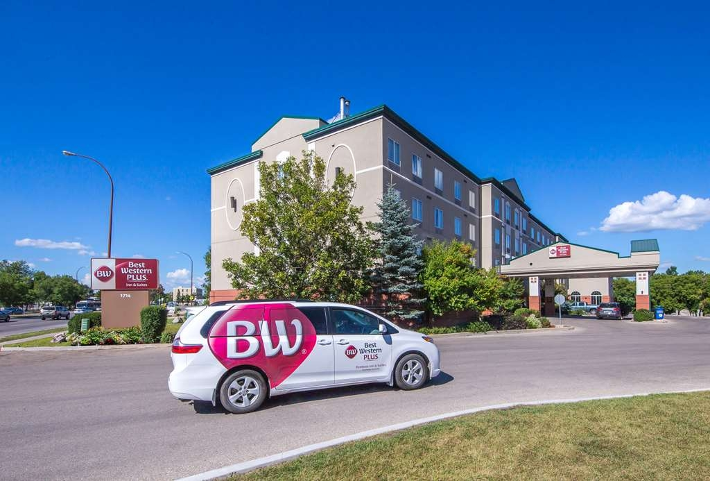 Best Western Plus Pembina Inn & Suites - Vista Exterior