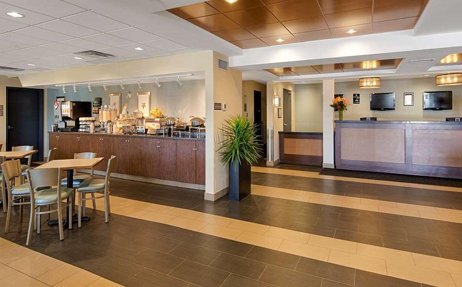Best Western Thompson Hotel & Suites - Vue du lobby