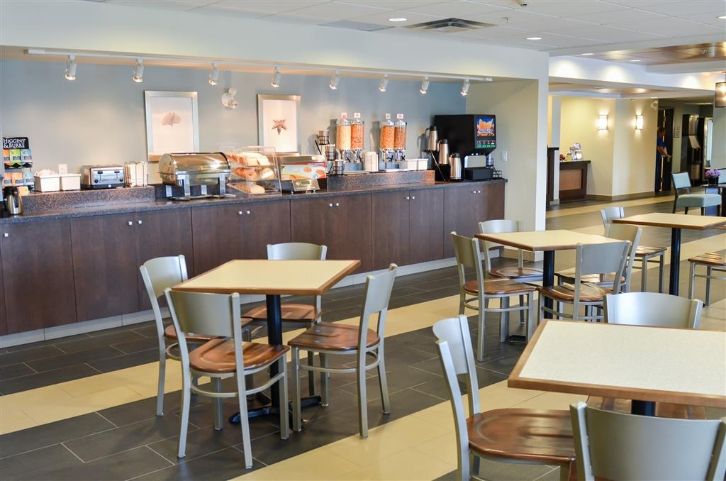 Best Western Thompson Hotel & Suites - Area colazione