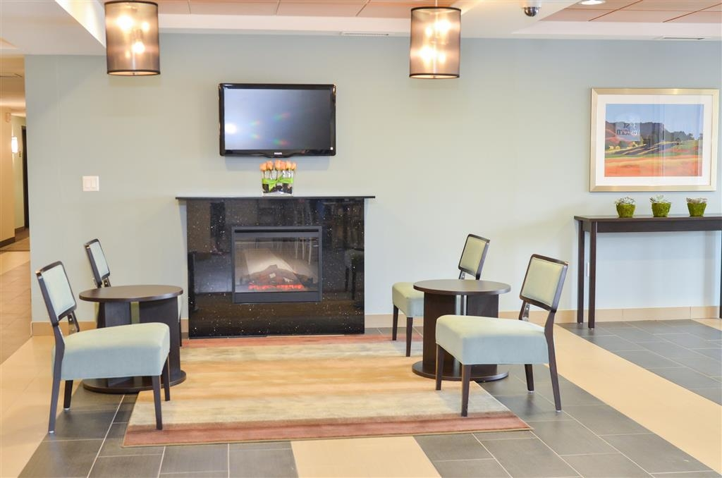Best Western Thompson Hotel & Suites - Hall dell'hotel