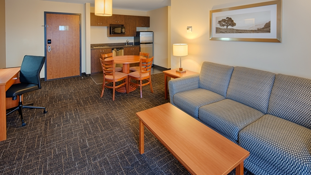 Best Western Thompson Hotel & Suites - Chambres / Logements