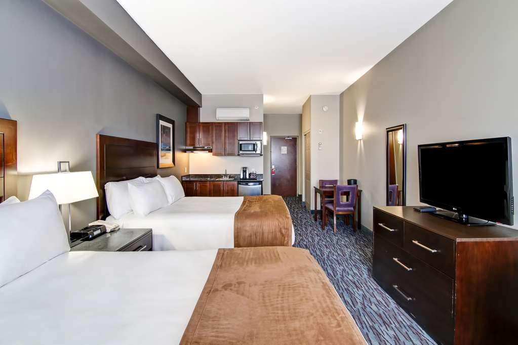 Best Western Plus Brandon Inn - Your comfort is our first priority. In our guest rooms, you will find that and much more.